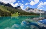 에메랄드 호수 반영 - 캐나다 록키 렌트카 여행