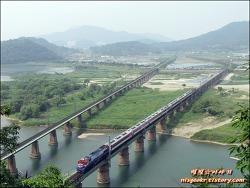 만남과 이별 그리고 만남의 밀양강 철교(2013.05.25.)