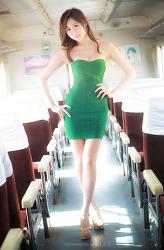 초록 원피스가 아름다운 그녀 MODEL: 연다빈