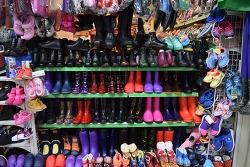 서천특화시장 - 장화, 여성신발, 우비 구입할 수 있는 곳 - 우리고무