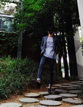 [남자 가을 패션 코디] 남자 댄디룩 : 남자 캐주얼 자켓 + 프린트 티셔츠 코디 & 남자 청바지 롤업하는 법과 캐주얼 구두