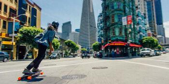 시속 30km의 고속 주행이 가능한 전동 스케이트 보드 Boosted board 2세대