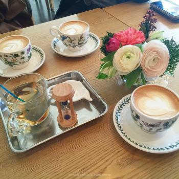 판교 운중동 카페, 엄마의 정원