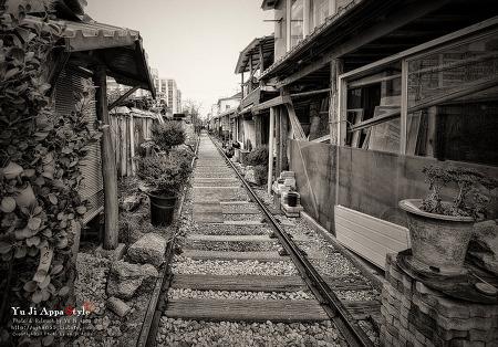 군산 경암동 철길마을(흑백)...1