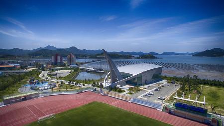 바다와 어우어진 경남 거제 스포츠파크 스카이뷰 항공촬영