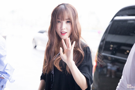 [PHOTO] 160917 김포공항 출국 - 여자친구 by Girls Grapher