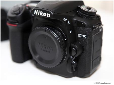 니콘 D7500 스펙 DSLR카메라 중급기로 쓰자