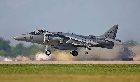 토막상식 - 왜 해리어와 F-35는 수직이륙을 하지 않을까