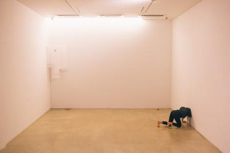 황수현 안무, <우는 감각>: '화음적 공간과 이동하는 시선'