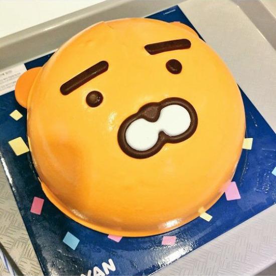 [일상] 귀여워서 먹기 아까운 라이언 아이스크림 케이크