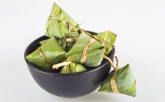 중국인들이 돤우제(端午节 단오절)에 종쯔(粽子)를 먹는 이유