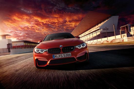 2017 BMW M4 쿠페와 컨버터블 페이스리프트 대고화질 사진들
