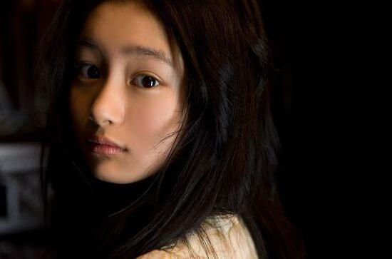 일본배우 쿠츠나 시오리의 매력