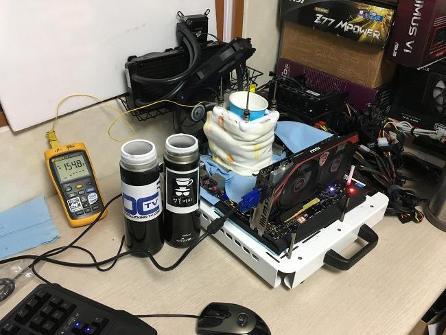 캐비레이크 7700K 액화질소 오버클럭 테스트 (..