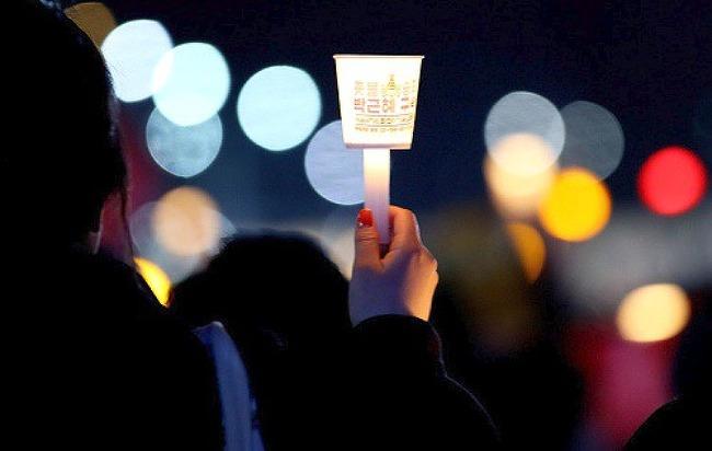 """광화문 촛불 1주년 집회 논란에… """"청와대 행.."""