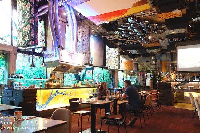 전통미를 세련되게 해석한 방콕 부티크 호텔, 시암 앳 시..