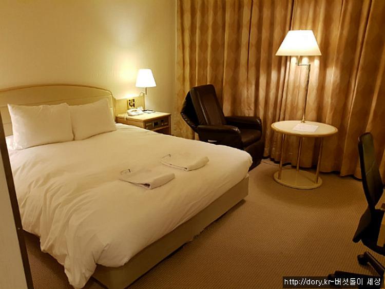 일본 호텔에서 룸을 교체 요청한 이유