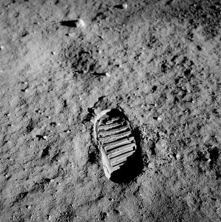 인류를 달에 보낸 아폴로 프로그램에 2,3,4호..