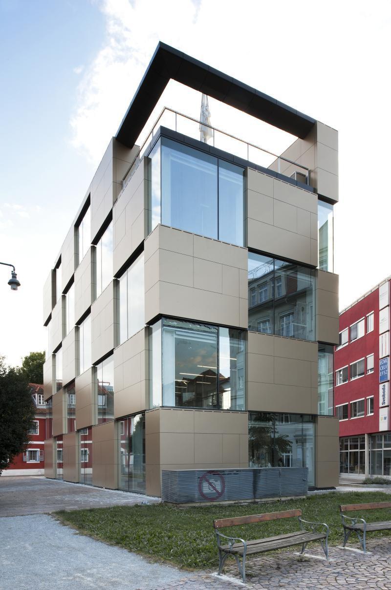 Atelier thomas pucher nik office - Edificios minimalistas ...