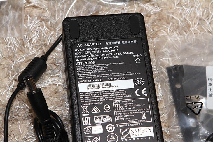 알파스캔, AG271QG ,G-Sync ,165Hz ,오버워치, 배틀필드4,IT,IT 제품리뷰,게임을 많이 하는 분들에게 좋습니다. Nvidia 그래픽카드면 더 좋습니다. 알파스캔 AG271QG G-Sync 165Hz 모니터를 이용해서 오버워치 배틀필드4를 해 봤습니다. 제 그래픽카드와 마우스가 이렇게 좋았나 라는 생각이 들게끔 이 모니터는 환상적이었습니다. 알파스캔 AG271QG G-Sync 165Hz 모니터는 게임을 하는 분들에게 적합합니다. G-Sync를 지원하는 모니터 자체가 성능이 훌륭한데 이 모니터는 165Hz를 지원하는 모니터 입니다.