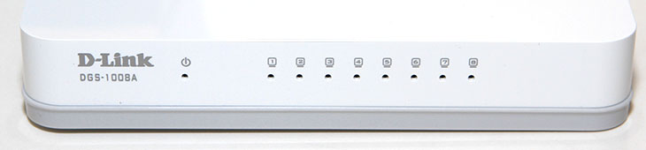 기가비트 허브 8포트, 스위칭 허브, 디링크 DGS-1008A 후기,디링크 DGS-1008A,DGS-1008A,기가비트, Gigabit,디링크,Dlink,IT,IT제품,추천,기가비트 허브 8포트 스위칭 허브 좋은 제품으로 디링크 DGS-1008A 후기를 올려봅니다. 3만원대의 저렴한 가격대의 제품에 1000Mbps를 지원하는 기가비트 스위칭 허브 입니다. 저는 기존에는 공유기 2개를 연결해서 사용했지만 전력소모량을 줄일 목적으로 기가비트 허브 8포트 디링크 DGS-1008A를 사용했습니다. 그리고 포트의 갯수를 늘려서 좀 더 많은 장치를 연결해 보기 위해서 선택했죠. 디링크 DGS-1008A는 1000Mbps 까지 지원하며 물론 하위 호환도 합니다. 8포트 제품으로 하나의 업링크를 제외하면 7개의 장치를 연결 할 수 있습니다. 사용방법도 무척간단합니다. 공유기에서 분리한 다이렉트케이블을 허브에 아무곳에나 한곳에 연결하면 나머지 7개의 포트에 장치를 연결해서 사용할 수 있습니다. 전력소모량도 상당히 낮은 수준이었는데요. 실제로 측정을 해보도록 하죠.