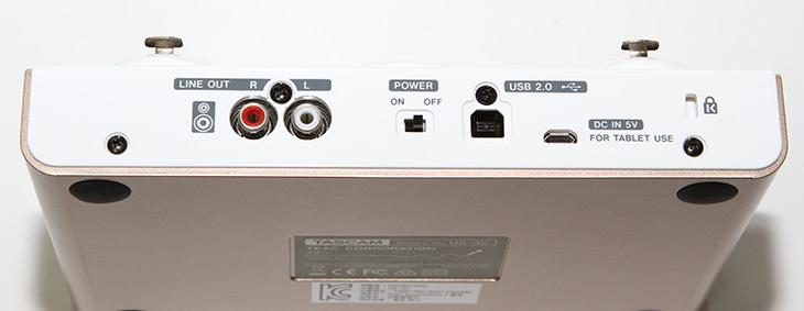 인터넷 방송, TASCAM US-42 ,이용한, 음성 ,방송 ,게임 ,방송,IT,IT 제품리뷰,음성을 깨끗히 녹음 할 때 필요한 장비 입니다. 그리고 좀 변조도 가능하죠. 인터넷 방송 TASCAM US-42 이용한 음성 방송 게임 방송 해보려고 합니다. 실제로 사용시 생각보다는 쉬운데요. 실제로 가장 직관적인 인터페이스를 제공 합니다. 인터넷 방송 TASCAM US-42에는 팬텀 파워를 이용하는 마이크 TM-80을 장착해서 사용이 가능 합니다. 원래는 별도의 전원을 넣어야 하는데 그렇지 않아도 동작이 가능하다고 하네요. 실제로 게임 방송 해봅시다.