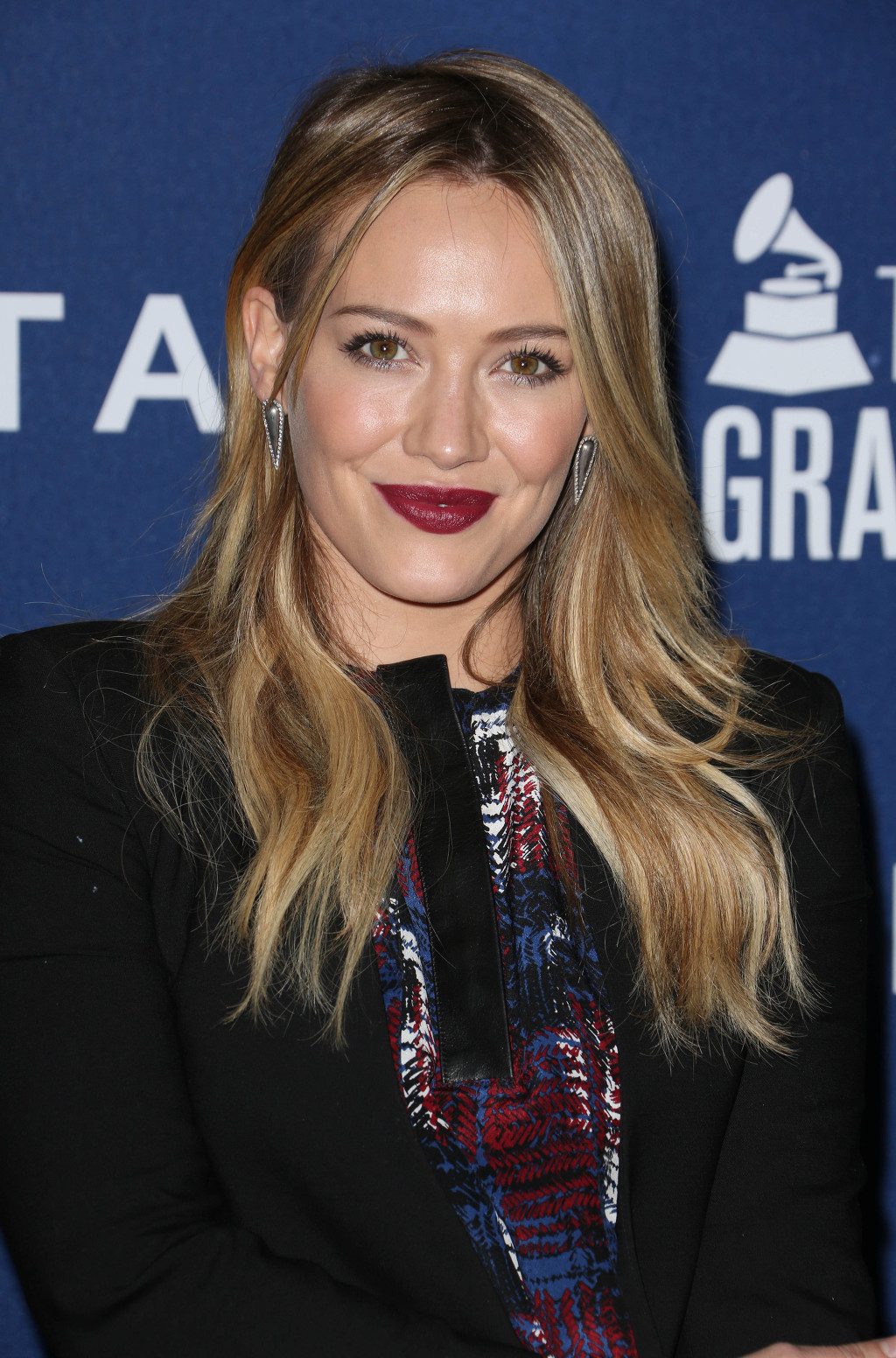 Hilary Duff Write Personal Letter To People On Twitter