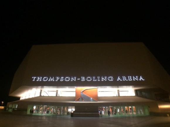 Thompson Boling Arena 소개와 자원봉사활동을 통하여 경험한 미국대학 농구문화 시사점