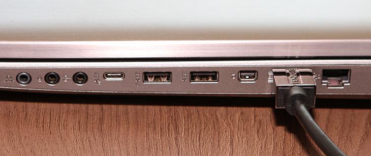 ASUS, ROG, G752VS, 게이밍 ,노트북, 리뷰,IT,IT 제품리뷰,게이머들의 바램을 모두 담아둔 제품이죠. 성능이 대폭 업그레이드가 되었는데요. ASUS ROG G752VS 게이밍 노트북 리뷰를 통해서 자세히 풀어보려고 합니다. G-Sync 모니터 그리고 1070 그래픽카드를 넣은 것이 특징 인데요. 가격에 맞게 디테일도 상당히 우수 합니다. ASUS ROG G752VS 게이밍 노트북 리뷰에서 여러가지 벤치마크와 실제 사용하는 모습을 담은 영상등을 살펴보세요.