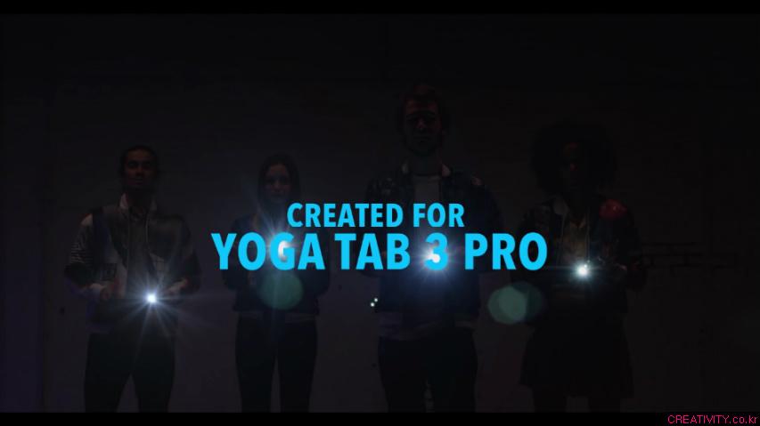 자켓을 벗어서 걸면, 어디든지 스크린이 된다! 빔프로젝터가 내장된 태블릿 PC, 레노버 요가탭3 프로(Lenovo Yoga Tab 3 Pro)를 위해 제작된 병신같지만 멋있는 옷, 레노버 더 스크린 자켓(The Screen Jacket) [한글자막]
