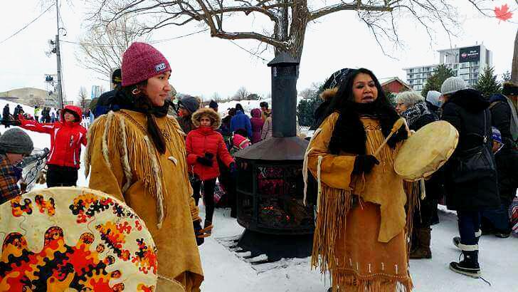 캐나다 원주민 알곤퀸 족입니다