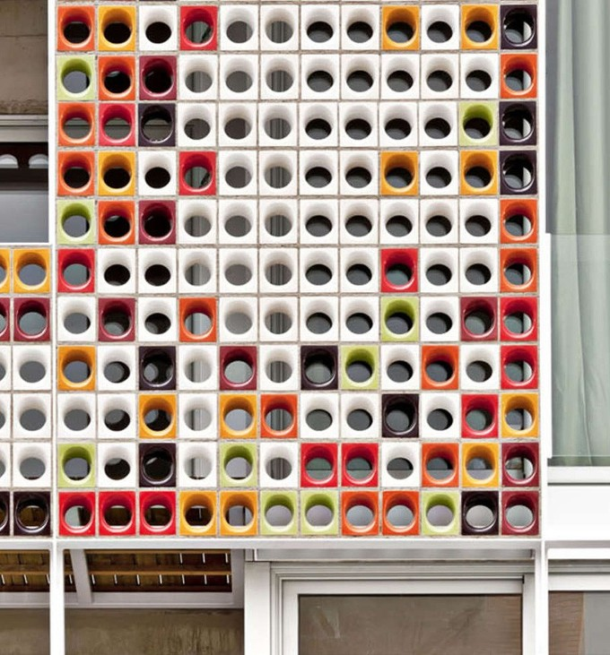 *세라믹 블록 판넬 [ Lagula Architects-A Facade Of Colorful Ceramic Blocks