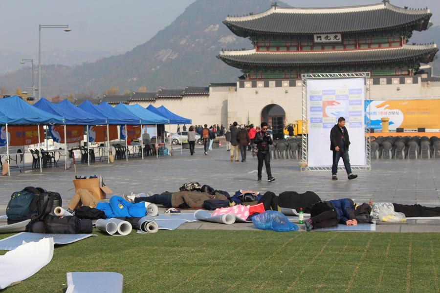 촛불집회 후, 서울 광화문의 아침풍경은 이랬다!