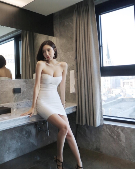 소미언니 쇼핑몰 피팅모델 최소미 섹시몸매 비키니 사진모음