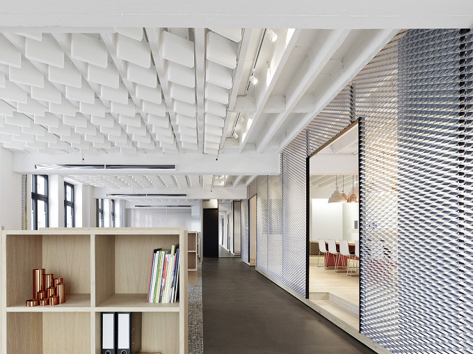 공간과 기능의 통합 Movet의 오픈 플랜 사무실 Studio Alexander Fehre