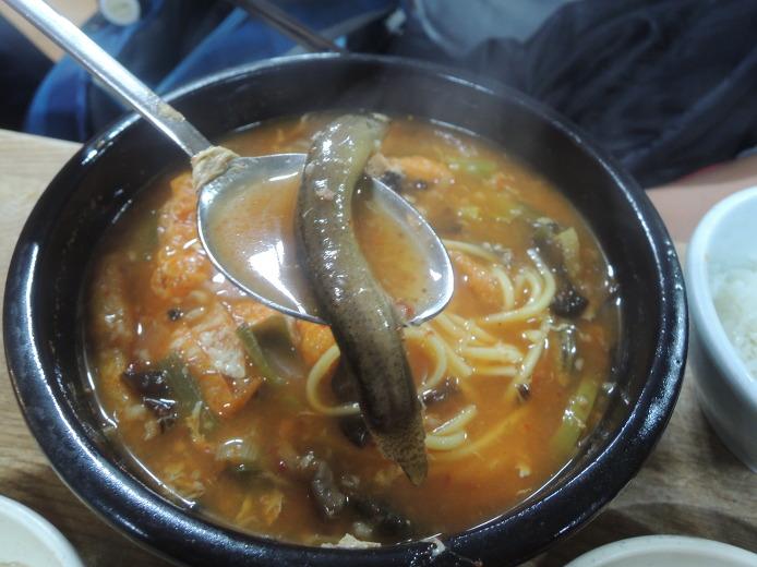 용금옥... 오래된 서울 추어탕맛집... 통으로 맛본 미꾸라지 추탕