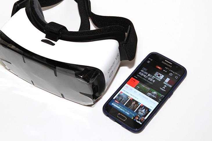 삼성 ,기어 ,VR, 보는, 올레TV모바일, VR로 ,여행하자,해외여행,IT,IT 인터넷,여행을 자주 못가니 이것으로라도 즐겨보죠. 여행을 가상으로 가볼 수 있습니다. 삼성 기어 VR로 보는 올레TV모바일 VR로 여행하자 편 인데요. 스마트폰 VR 기기를 다른걸 받았었는데 제가 가진게 Gear VR 이라서 이걸로 테스트를 해 봤습니다. VR 컨텐츠는 항상 다른것을 볼 수 있다는 재미가 있는데요. 삼성 기어 VR로 보는 올레TV모바일은 장치만 하나 있으면 어렵지 않게 볼 수 있는데요.