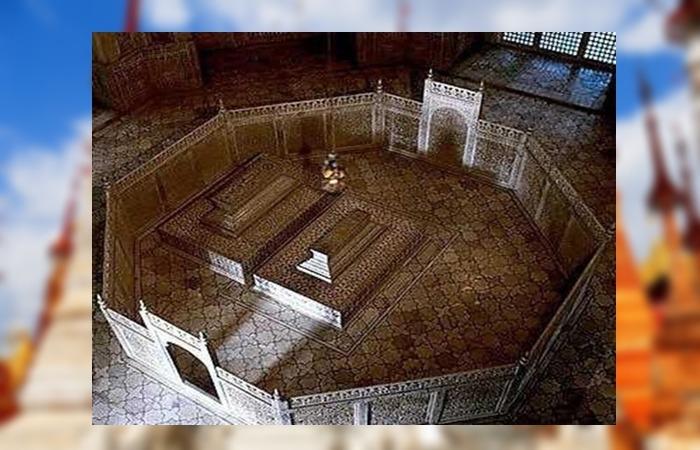 사진: 인도 타지마할을 지은 이유는 왕비의 죽음을 기리기 위한 것이다. 지상에서 관을 볼 수 있지만, 진짜 묘는 지하에 안장되어 있다. [타지마할, 세계 7대 불가사의인 이유]