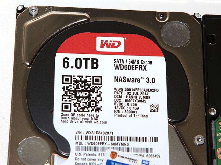 WD RED 6TB ,벤치마크, 성능 ,후기, WD60EFRX,IT,IT제품리뷰,제품리뷰,사용기,WD RED,RED 시리즈,6테라,WD RED 6TB 벤치마크 성능 후기를 올려봅니다. 지금은 씨게이트에서 8TB까지 나와있는 상황이지만, NAS 시리즈의 정석이라는 WD RED 시리즈는 6TB WD60EFRX 까지 나와있는 상태입니다. 곧 이것도 8TB에 이어서 12TB까지 나올것입니다. 이번 주인공 WD RED 6TB 벤치마크를 콩해서 성능이 대략 어느정도 되는지 그리고 사용감은 어떤지 확인해보려고 합니다. WD RED 6TB까지 나왔지만 RED 시리즈를 처음 써본건 1TB를 써본 것이 처음이였던것 같네요. 즉 거의 처음 시리즈부터 써봤었는데요. WD RED는 2.5인치 타입도 있고 3.5인치타입도 있습니다. WD RED 2.5인치 타입의 벤치마크는 저도 궁금한 점이긴 하지만 성능은 WD RED시리즈가 상당히 좋은 편 입니다. 안정성이 높은 하드디스크는 성능이 조금은 낮게 나올거라는게 일반적인 생각이지만 그렇지 않다는 것이죠.