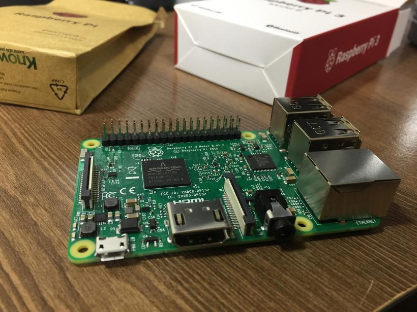 초소형 컴퓨터 라즈베리파이