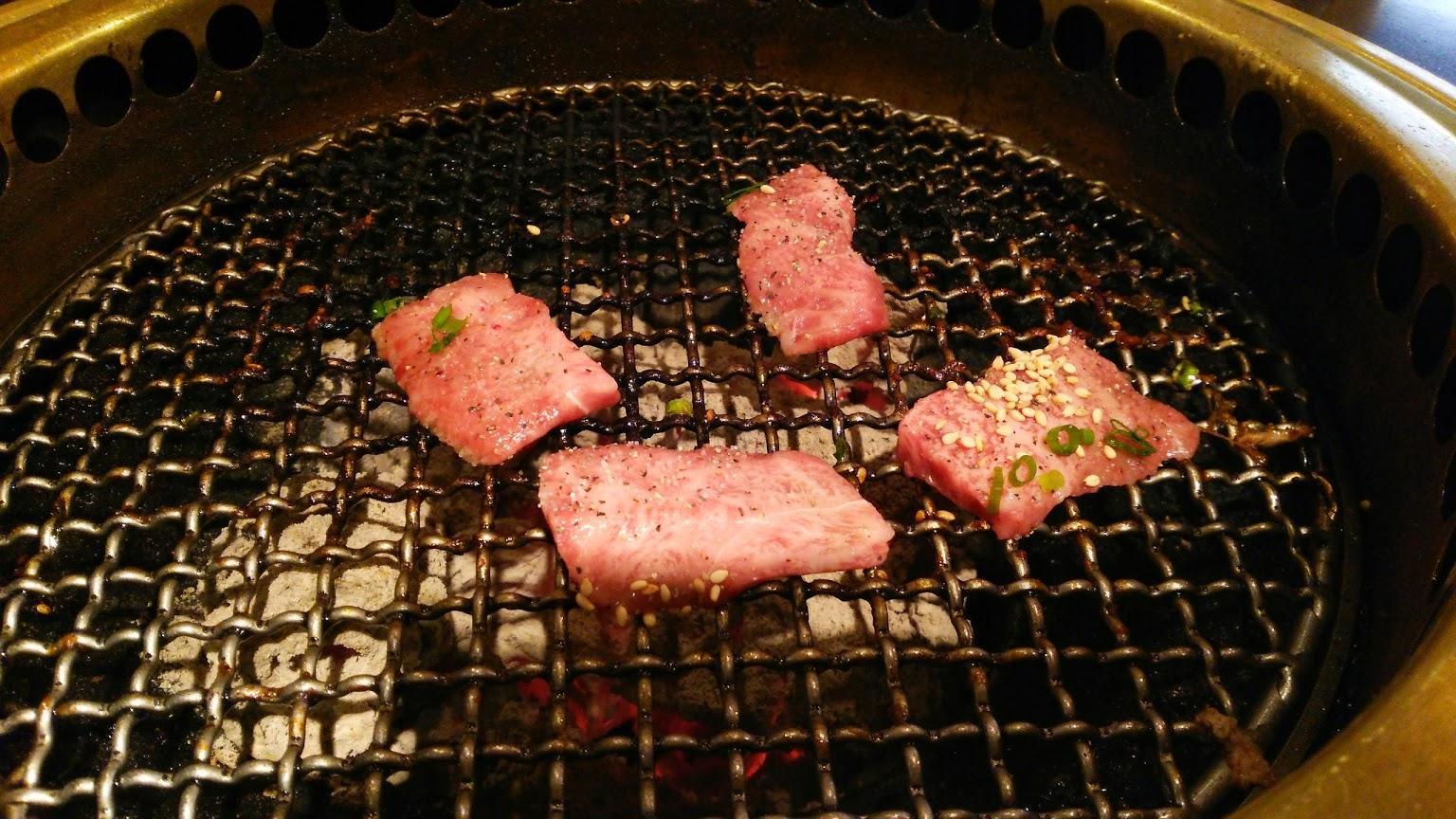 (Google 번역) 숙성 고기 상점 불평없이 맛있다!  (원본) 熟成肉のお店 文句なしに美味しい!