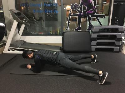 플랭크 사이드 스텝 - Plank Side Step